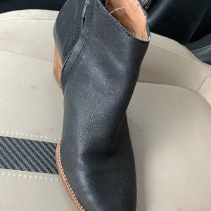 Madewell upper leather bootie size 9